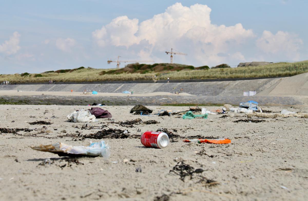 Afval op strand | © VLIZ, Leontien De Wulf