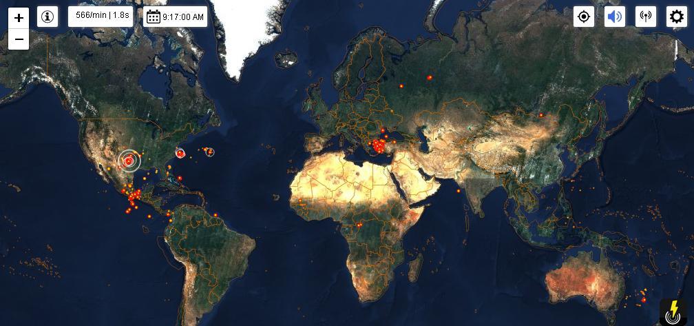 Blikseminslagen wereldwijd in real time | screenshot van www.lightningmaps.org